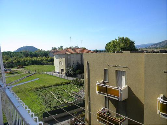 Sale and purchase of real estate in Albenga